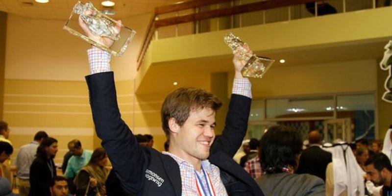Κάρλσεν Πρωταθλητής ακάκι ράπιντ μπλτς